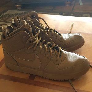 Nike Men's Ebernon Mid Winter Sneakers